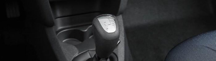 Dacia introduce cutia automata pe Logan si Sandero
