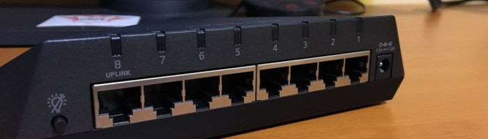 Netgear Nighthawk S8000 - switch pentru gaming si streaming