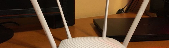 Tenda F9 - router wireless cu acoperire buna