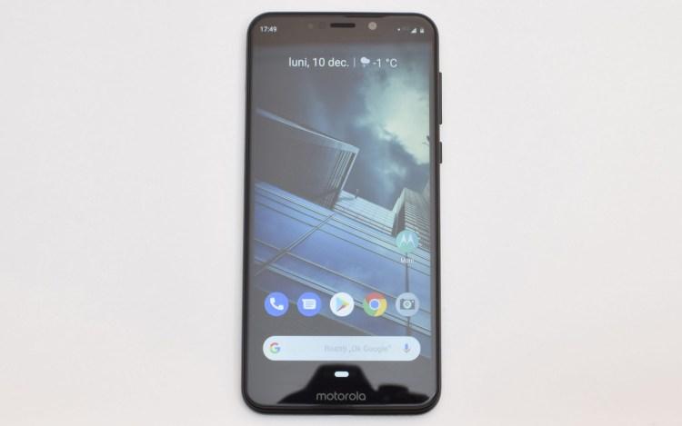Review Motorola One - smartphone mid-range excelent, campion la autonomie