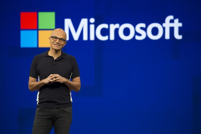 Microsoft este cea mai valoroasa companie