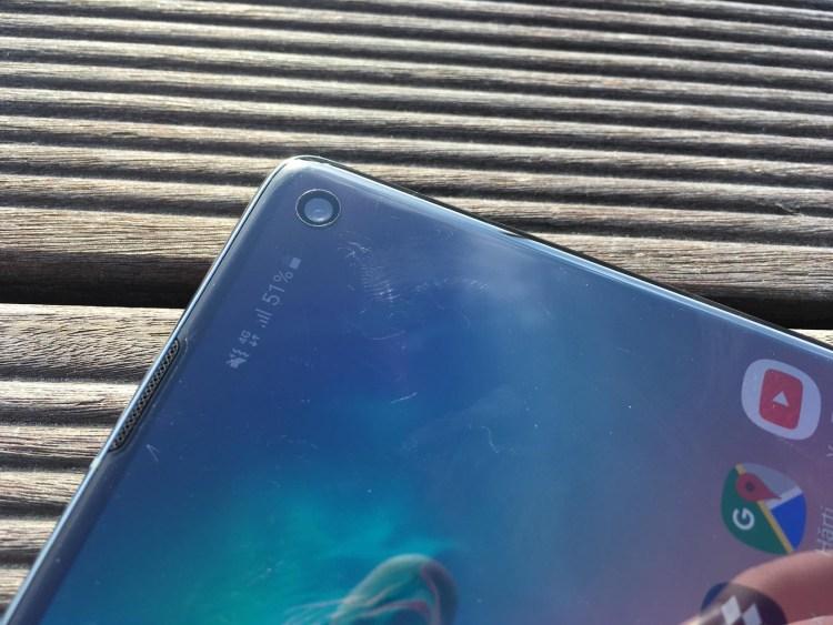 Samsung lucreaza la un ecran ce va integra complet camera foto
