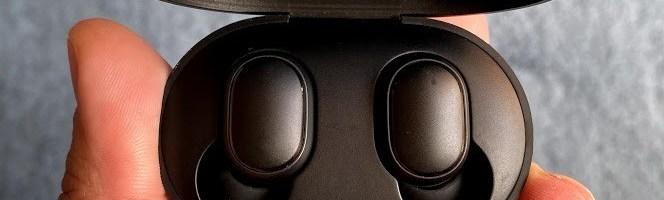 Xiaomi Mi Earbuds (Redmi Airdots) review: niste casti comode si usor de folosit