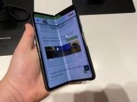 Am pus mana pe Samsung Galaxy Fold