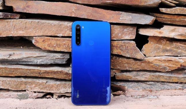 Redmi va produce un smartphone compact