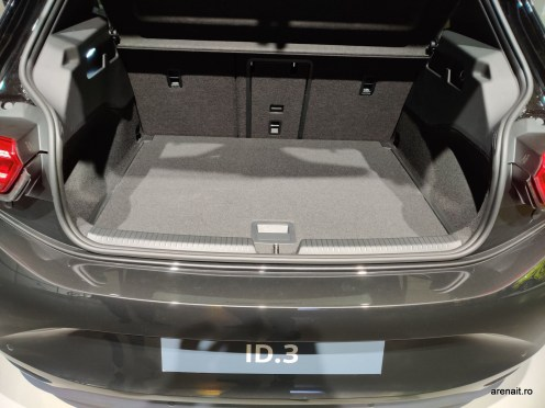 VW-ID3-ID-CROZZ-Vision-IV-Review (19)