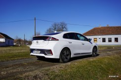 Hyundai-Ioniq-Hibrid-2020-Review (18)