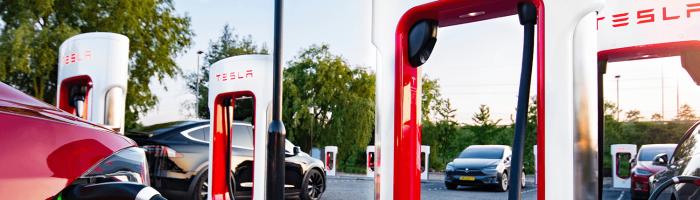 Tesla Supercharger vine în România