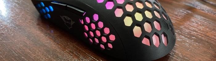 Review mouse Trust GXT 960 Graphin - mouse extrem de usor si cu o forma prietenoasa