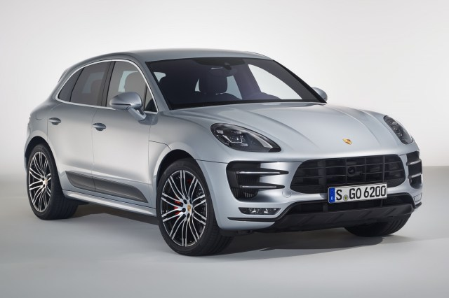 macan-turbo-with-performance-package-001