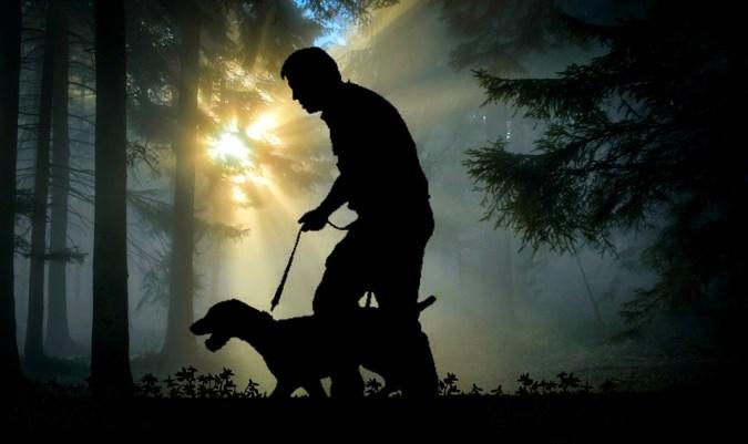 hombre perro