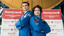 Uzay Kampı için iki Türk öğrenci ABD'ye gitti!