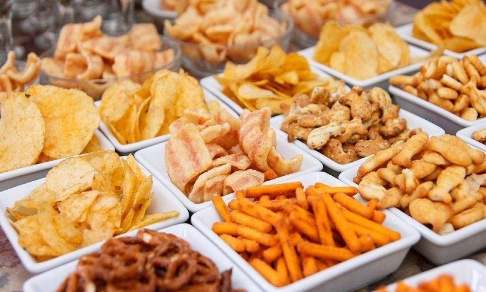 6 Contoh Usaha Makanan Ringan Dengan Modal Kecil kacang atom tela tela keripik singkong stik keripik tempe popcorn aneka cemilan