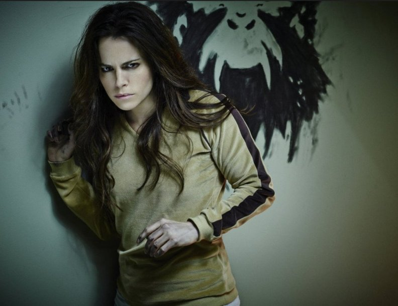 Jennifer 12 Monkeys Season 4 SYFY