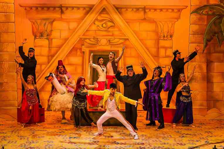 principal-cast-ensemble-aladdin-photo-richard-budd