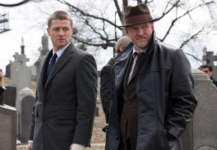 Gotham Review Fox Ben McKenzie and Donal Logue.