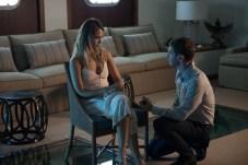 Gina (Jessica Alba) and Crain (Sam Hazeldine) in MECHANIC: RESURRECTION. Photo Credit: Jack English