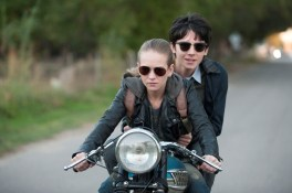(L to R) BRITT ROBERTSON and ASA BUTTERFIELD star in THE SPACE BETWEEN US.