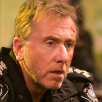 Tin Star Review - Tim Roth Tackles Big Oil And Personality Flaws
