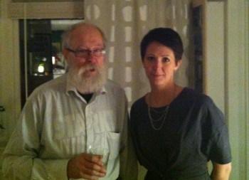 Arga Klara och pappa. Visst är vi lika, förutom kanske det stora vita skägget?