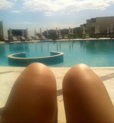 Selfie vid poolen, Rhodos, Grekland