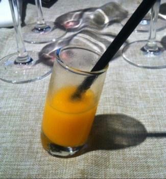Åt kött på Buenos Aires och fick en sned drink.