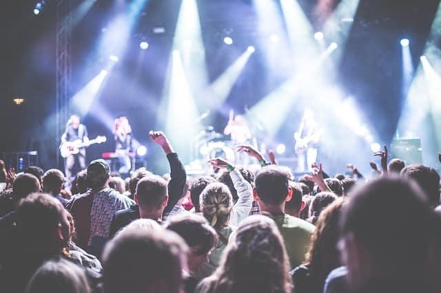 Konsert, scen, publik