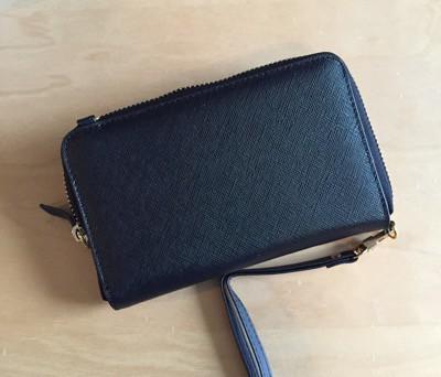 Plånbok med fack för telefon
