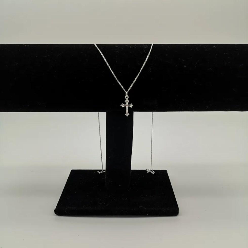 Baroque cross pendant