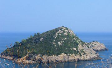 Monte_Argentario_-_Isola_rossa_2