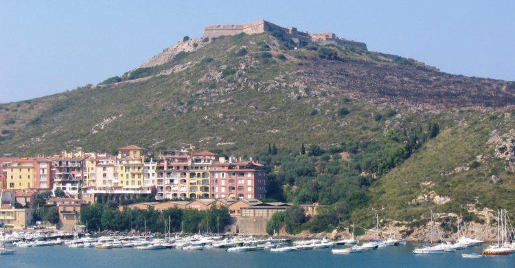 Porto_Ercole_-_Vista_fortezza_dalla_rocca