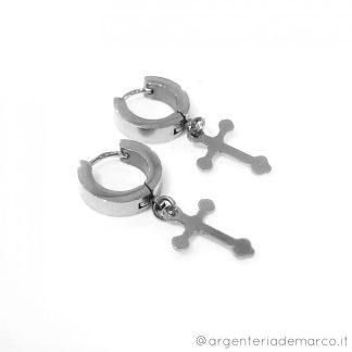 orecchini cerchio con croce pendente
