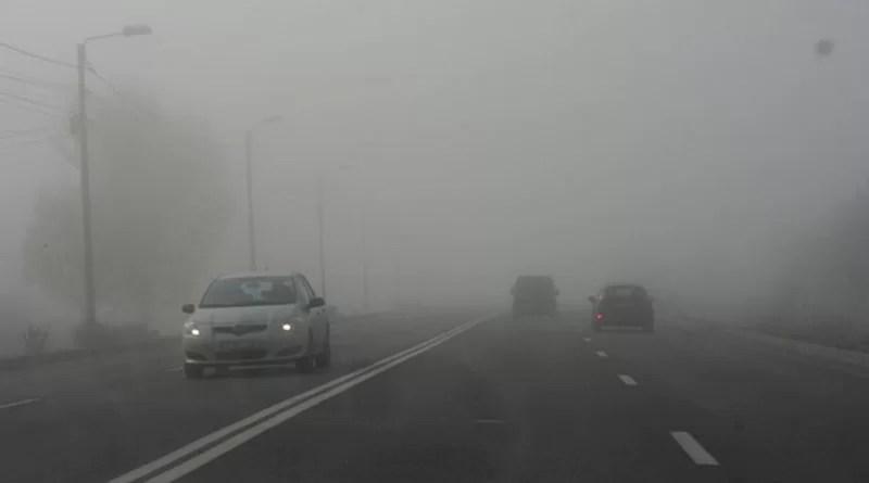 Se circulă în condiții de ceață în Argeș!