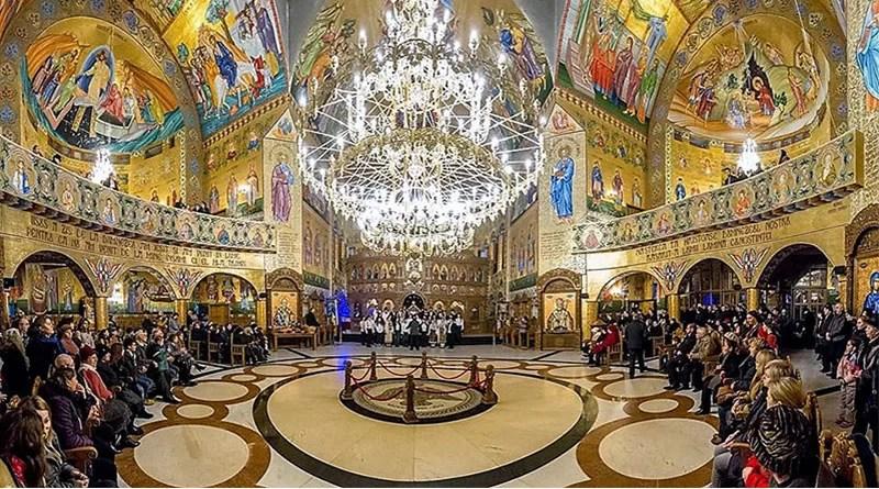 Catedrala-SF-Apostoli-Petru-Si-Pavel