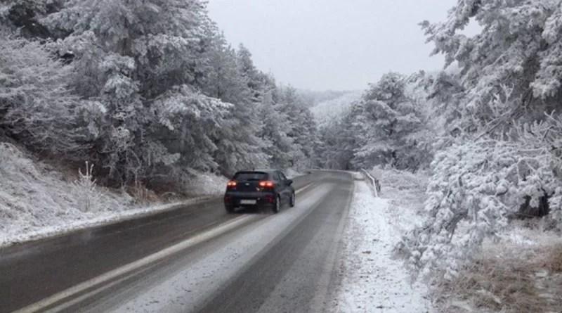 Meteo:Vreme schimbătoare, temperaturi în scădere, lapoviţă şi ninsoare