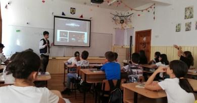 """""""Săptămâna Mondiala a Spațiului Cosmic la Școala Traian – Pitești"""""""