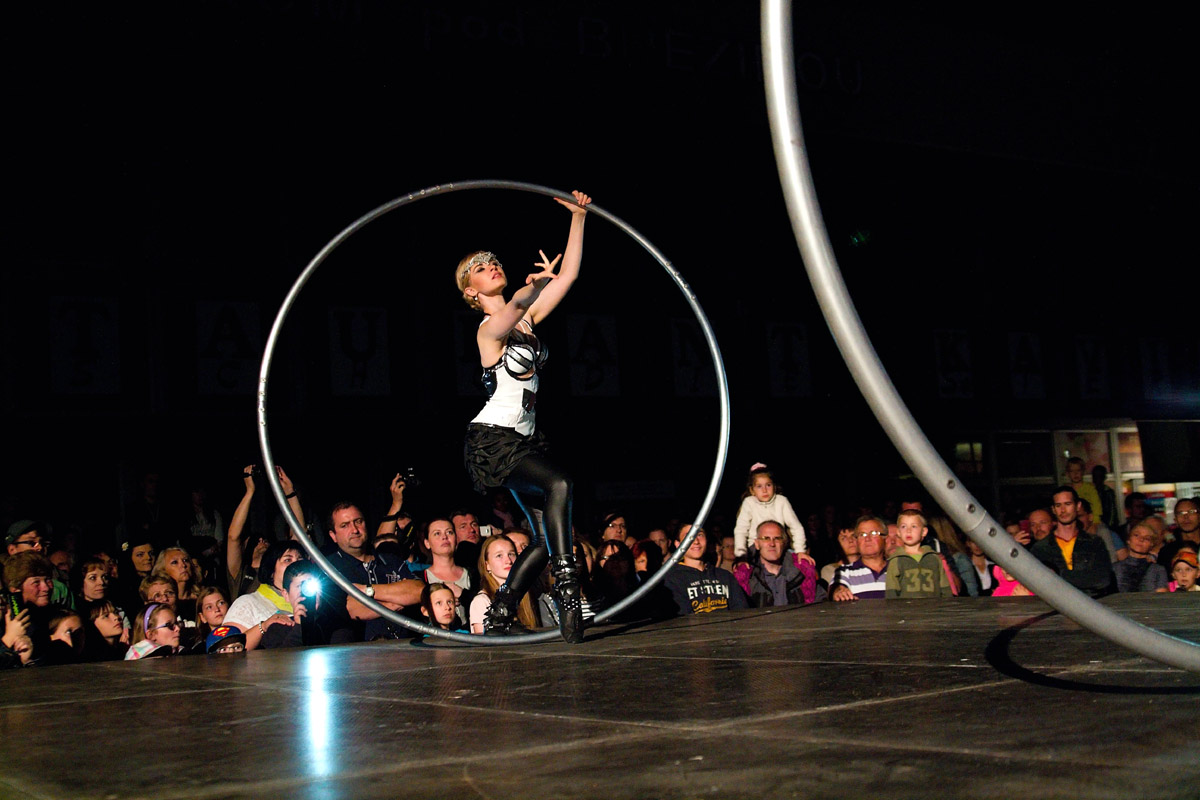 Romantic Cyr Wheel Duo - Woman and Man - Argolla Acrobats