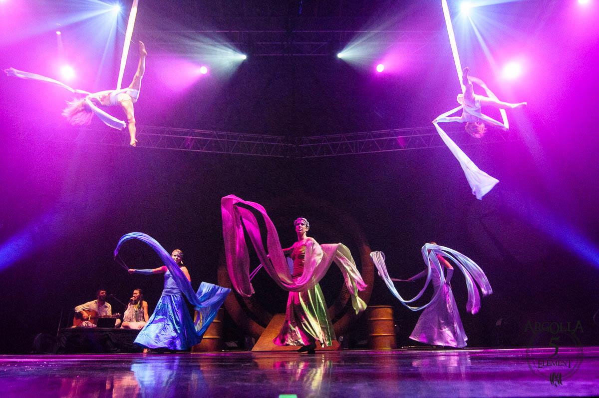 Aerial Silks and Ribbons Dancers - Argolla Show