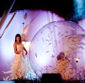 Transparent Ball Act - Argolla Show