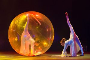 Argolla Wonderland - Acrobatic Show for Kids -Transparent Ball