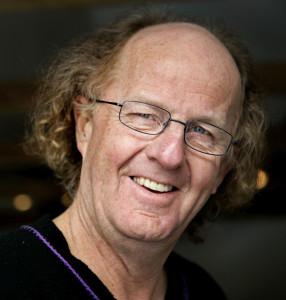 Portrettfotografi av visesangeren Jørn Simen Øverli