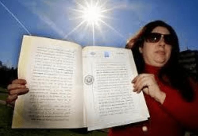 Empresaria española se declara dueña del sol y quiere que el mundo le pague por su uso.