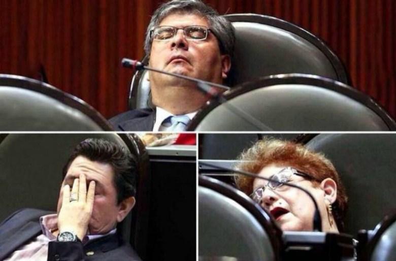 diputado dormido 2.jpg