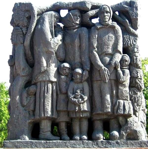 Нынешний мемориал в Корюковке