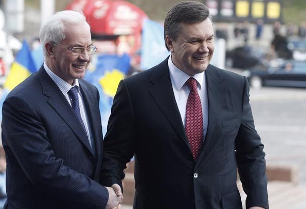 Фото:  Николай Азаров и Виктор Янукович. Фото: Владимир Синдеев / ТАСС