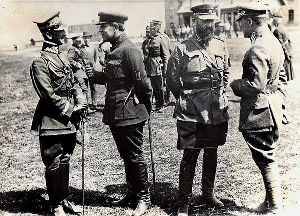Фото:  БЕРДИЧЕВ, АПРЕЛЬ 1920 Г. НА ФОТО (СЛЕВА НАПРАВО): ПОЛЬСКИЙ ГЕНЕРАЛ АНДЖЕЙ