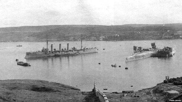 Фото:    Севастополь, апрель 1918 года