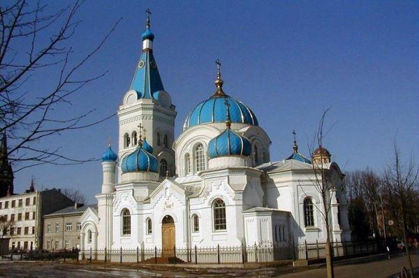 Фото:   Собор Симеона и Анны Латвийской православной церкви в городе Елгава