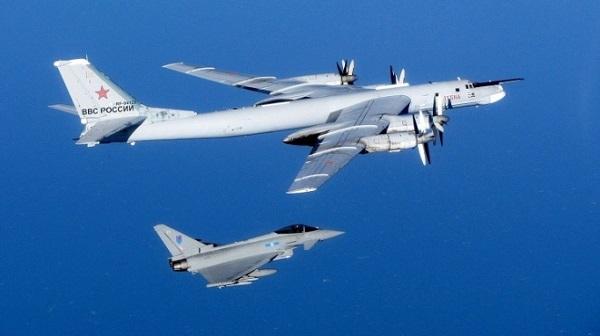 России прислали фото ее «заблудившихся» в небе Британии ...