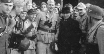 Skorzeny with the liberated Mussolini on 12 September 194. (Credits: Bundesarchiv - 101I-567-1503C-15 - Toni Schneiders)